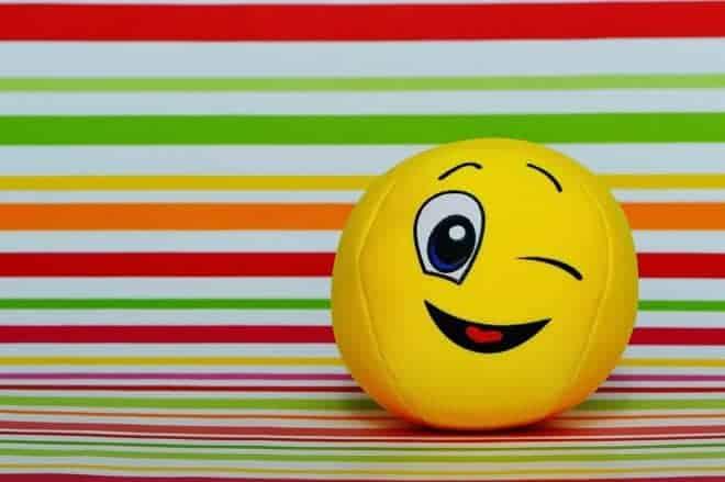 une balle en forme de Smiley