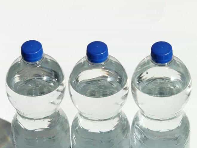 une bonne hydratation au quotidien évite les infections urinaires