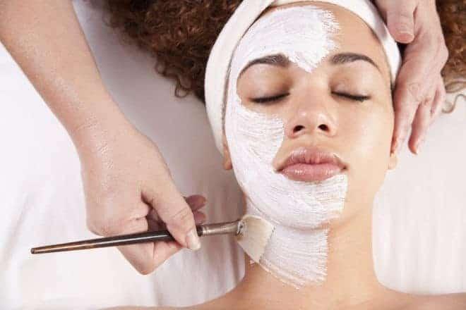 comment réaliser un nettoyage de peau maison