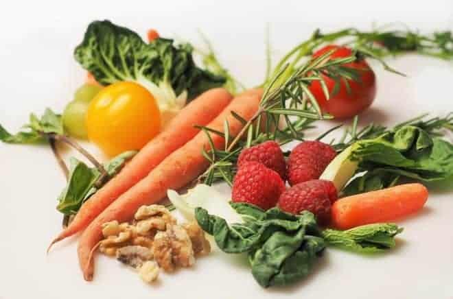 Des fruits et légumes.
