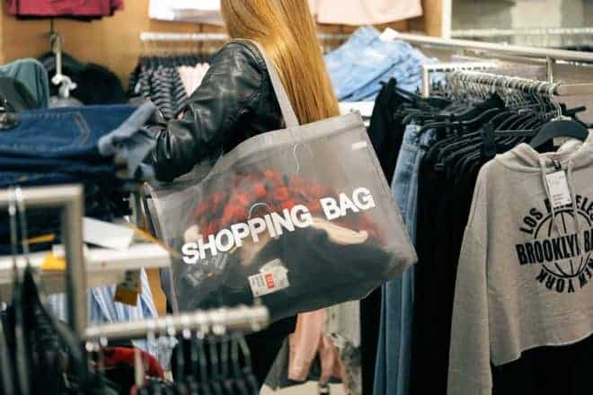 Illustration. Le shopping.