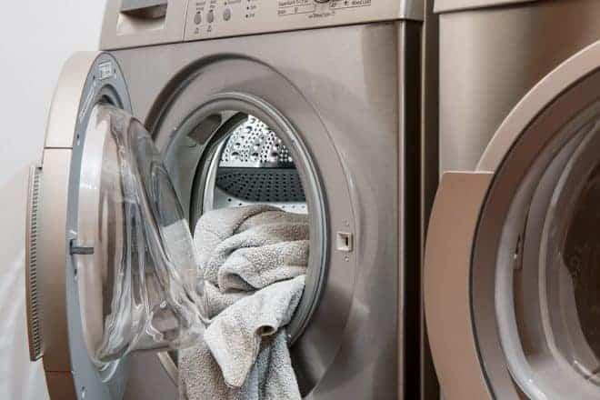 Serviette dans machine à laver