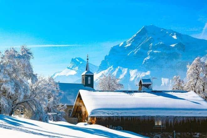 Maison et neige