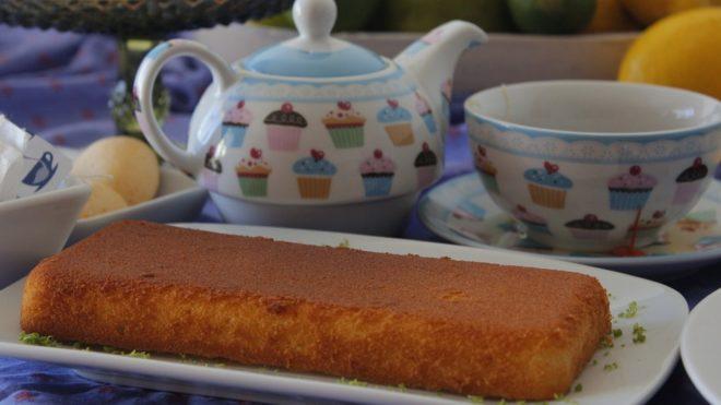 Gâteau, cafetière