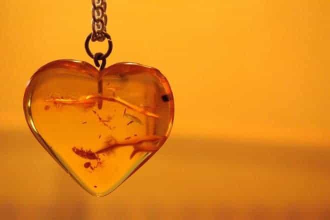 Cœur en ambre