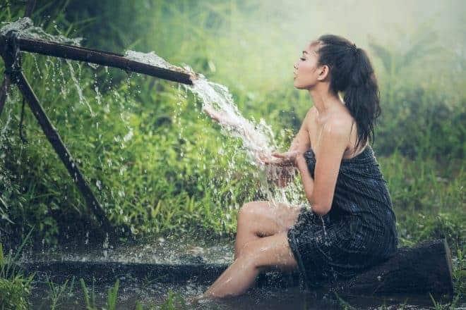 Femme, eau