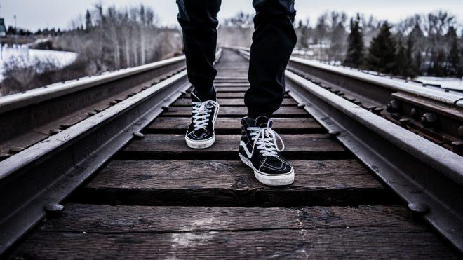 Chemin de fer, marcher