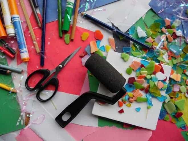 Papier, ciseaux, crayons