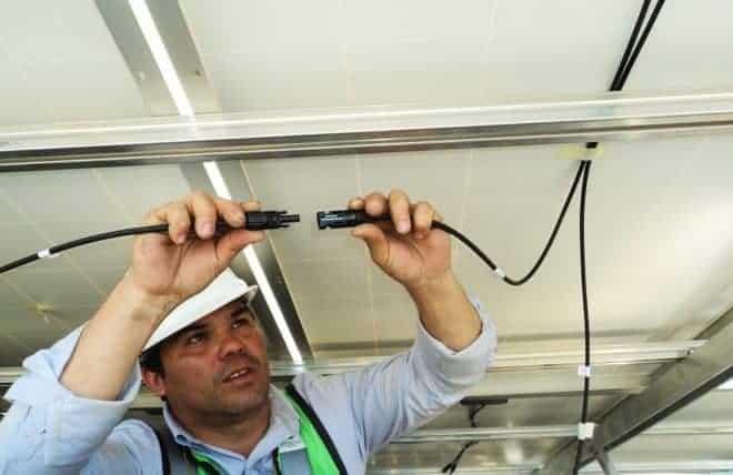 Électricien, câble