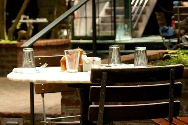 Table, assiette