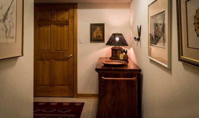 Hall, tapis, lampe