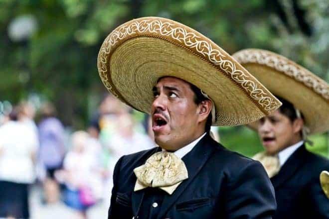 Un chanteur mexicain.